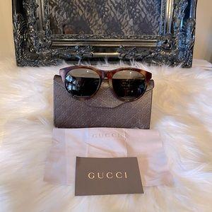 Gucci brown aviator sunglasses 🕶